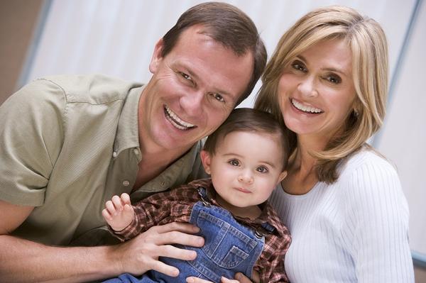 Visa Amparo Permanente: Padres extranjeros que se Amparan en hijo Ecuatoriano