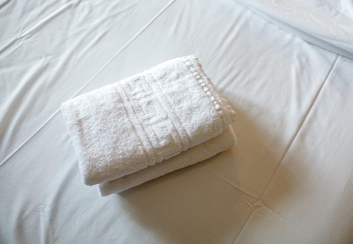 con qué frecuencia lavas tus sábanas